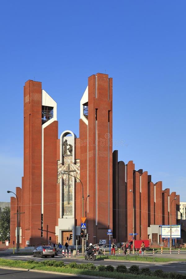 Современная обрядовая архитектура - церковь апостола St. Thomas в Варшаве, Польше стоковое изображение rf