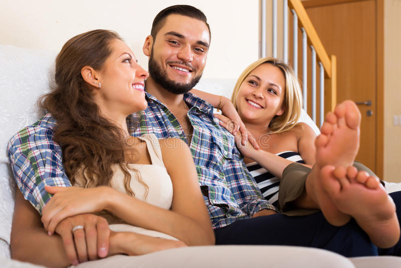 Современная полигамная семья стоковая фотография