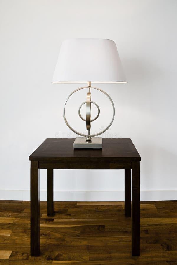 современная таблица светильника стоковые изображения