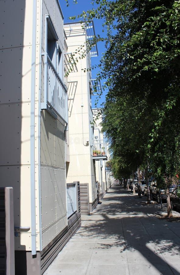Современная улица Сан-Франциско, Калифорния, объединенного Staite Америки Жилые дома стоковые изображения rf