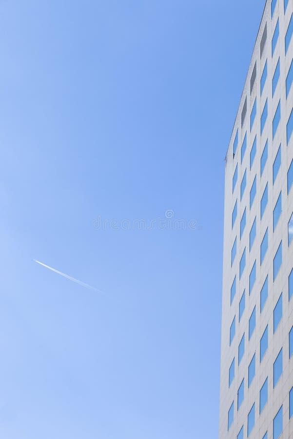Современное здание - корпоративная архитектура стоковое изображение rf