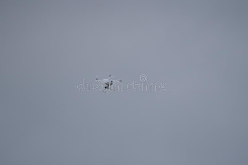 Современное летание Dron в Андорре стоковое изображение