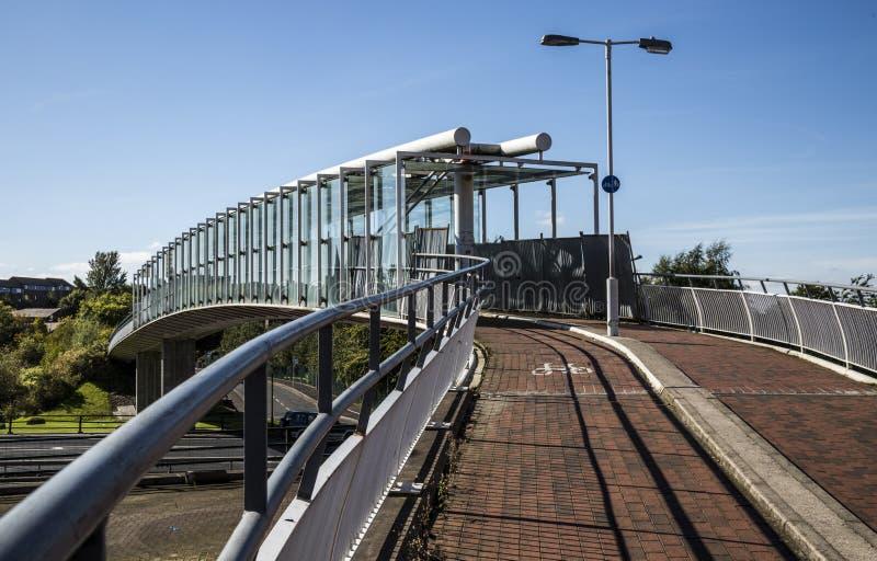 Современное birdge пешехода и велосипедистов в Oldham стоковое изображение