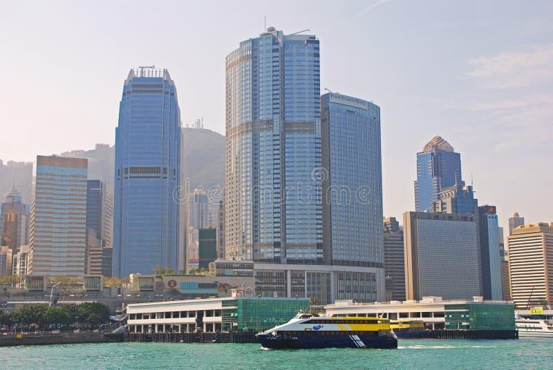 Современные здания на центральном острове Гонконга стоковые изображения rf