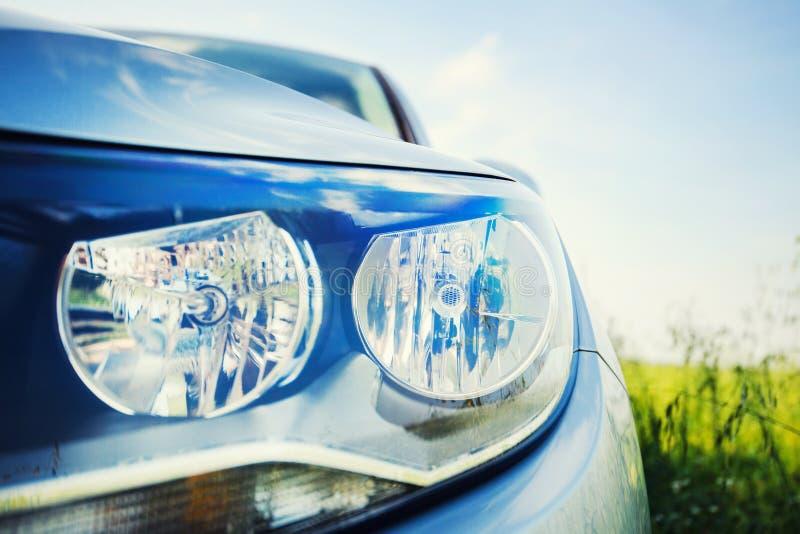 современные фары автомобиля стоковые фотографии rf