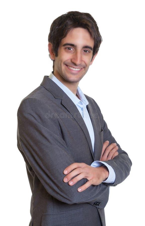 Современный латинский бизнесмен с костюмом и короткими волосами стоковое фото