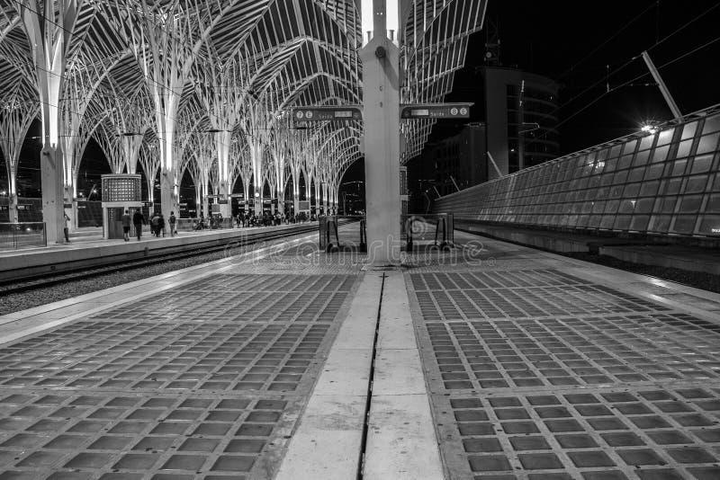 Современный вокзал Лиссабона стал-стиля стоковые изображения