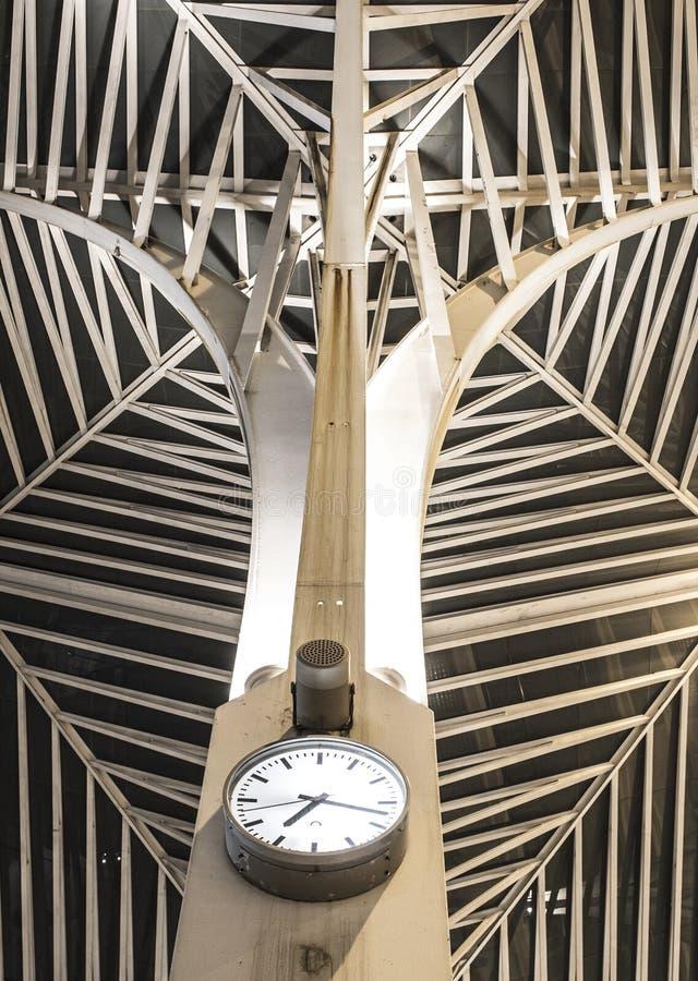 Современный вокзал Лиссабона стал-стиля стоковая фотография rf