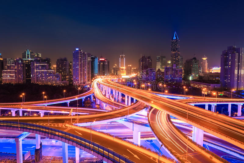 Современный городской транспорт на ноче стоковое фото rf