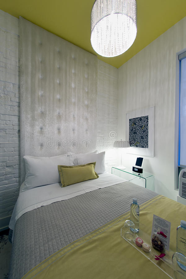 Современный гостиничный номер просторной квартиры - be650 Торонто стоковые изображения