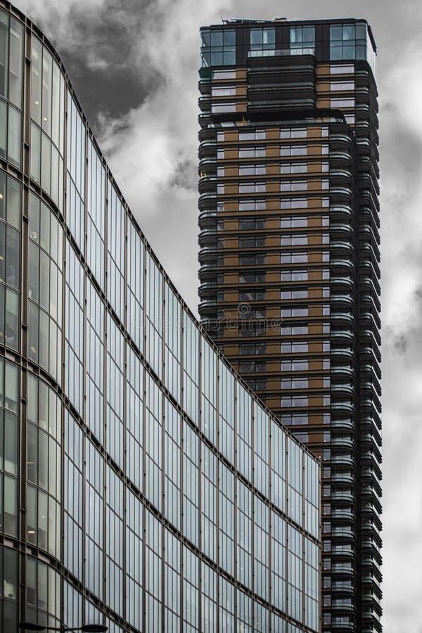 Современный дизайн зданий стоковые фото