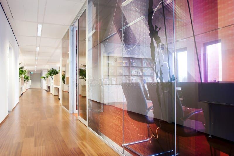 Современный интерьер офиса стоковое фото rf