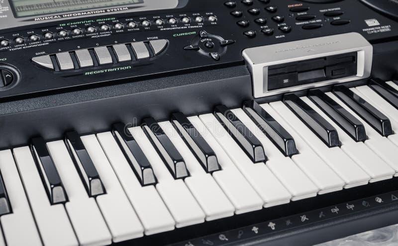 Современный рояль цифров стоковое фото