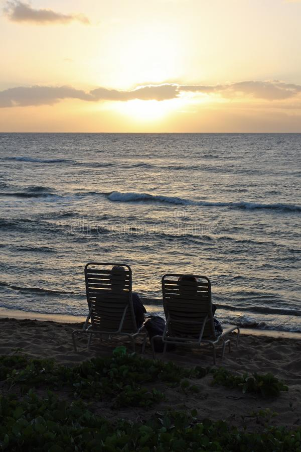 Соедините наблюдать заход солнца Бесплатная Стоковая Фотография