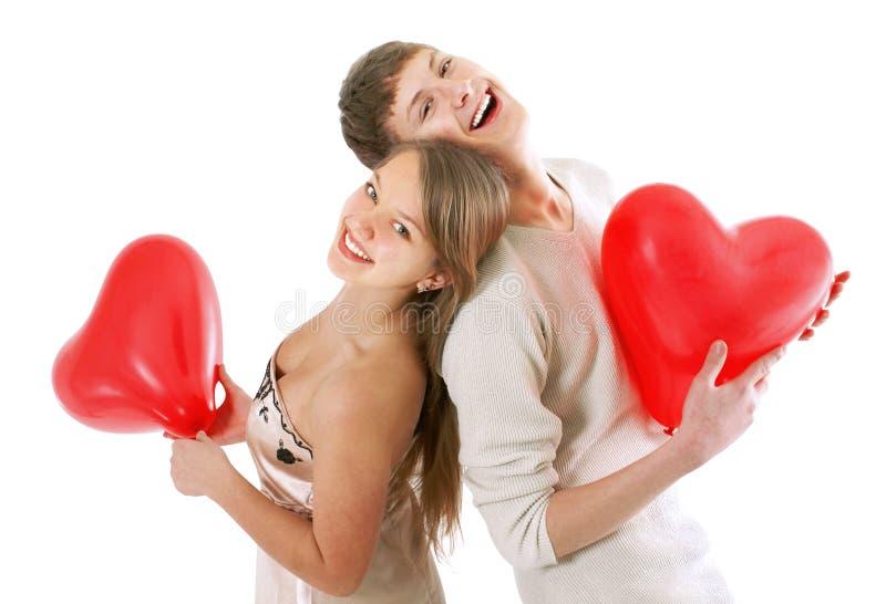 соедините счастливых детенышей влюбленности стоковое изображение rf