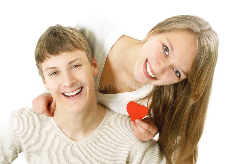 соедините счастливых детенышей влюбленности стоковое изображение