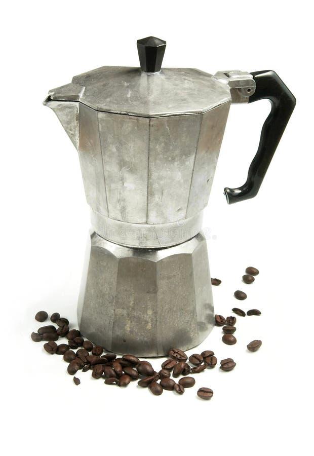 создатель espresso кофе фасолей стоковое изображение