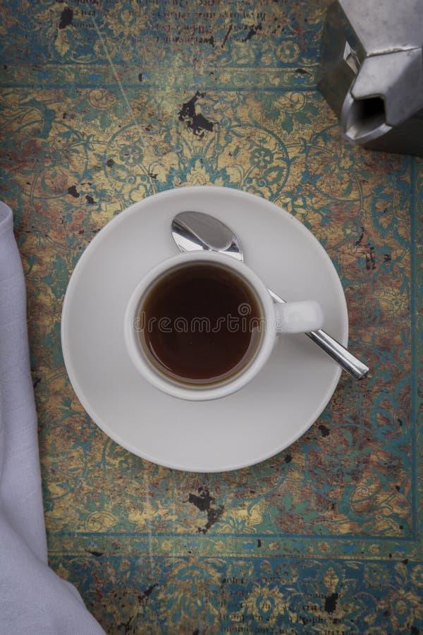 создатель кофейной чашки стоковое изображение
