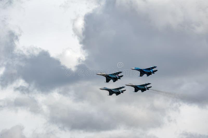 Соколы группы полета России на Su-27 стоковые изображения rf