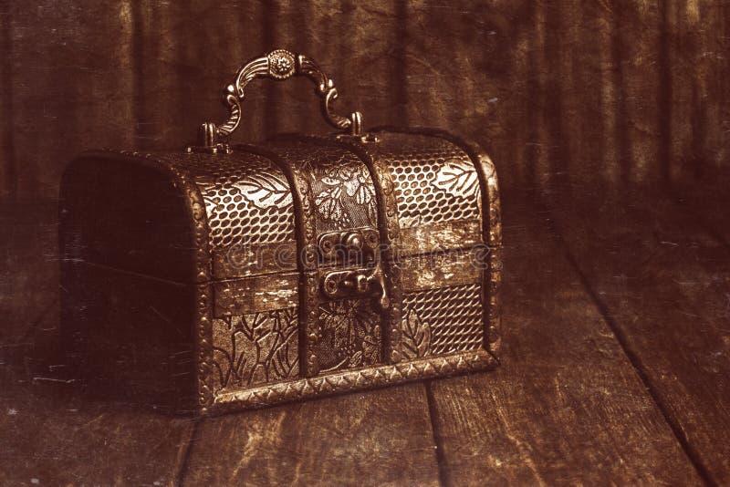 сокровище комода закрытое стоковое изображение rf