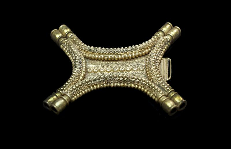 Сокровище pectorals El Carambolo в форме вол тайник стоковые изображения