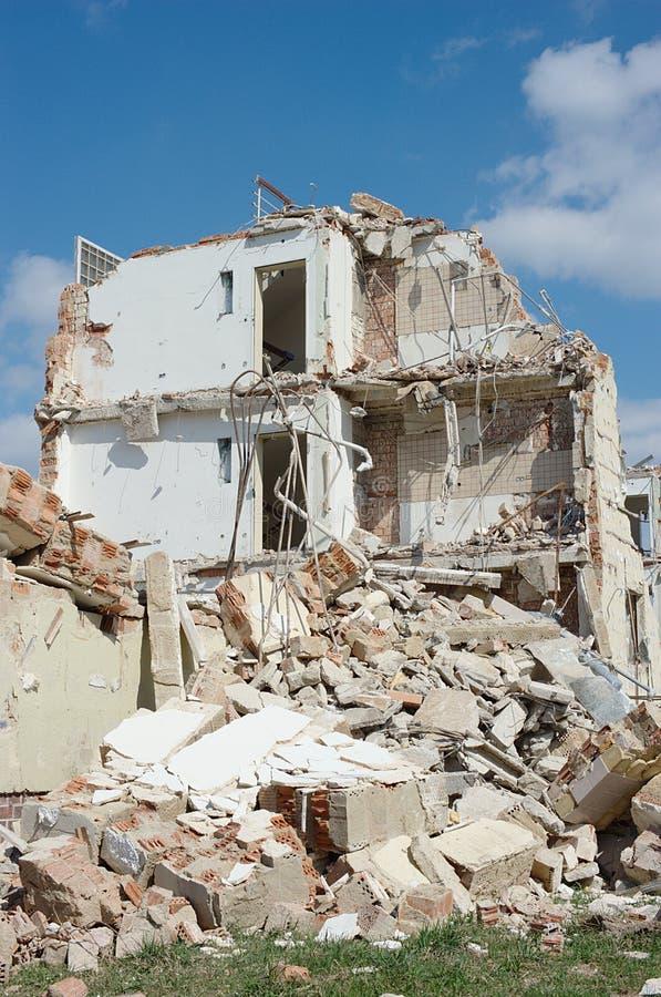 сокрушенная дом стоковая фотография rf
