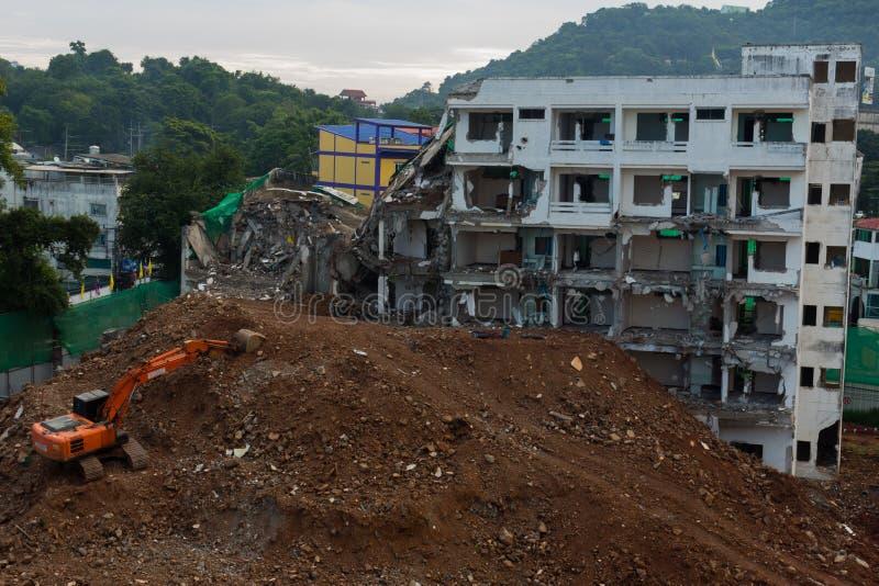 сокрушенное здание стоковое фото