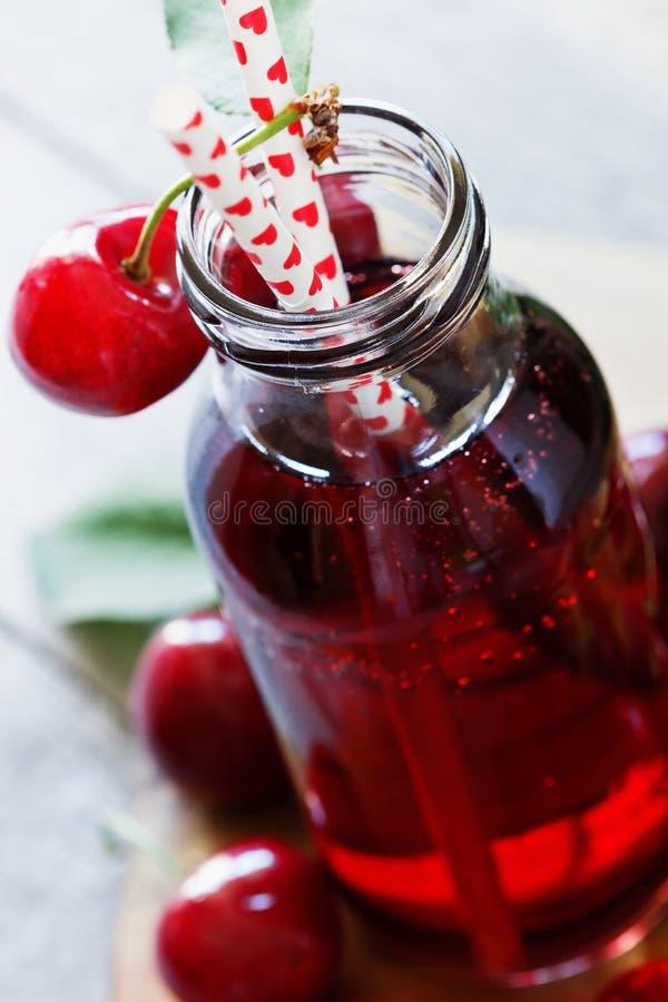 сок вишни свежий стоковое изображение rf