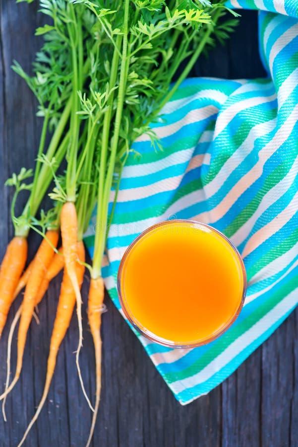 сок моркови свежий стоковая фотография