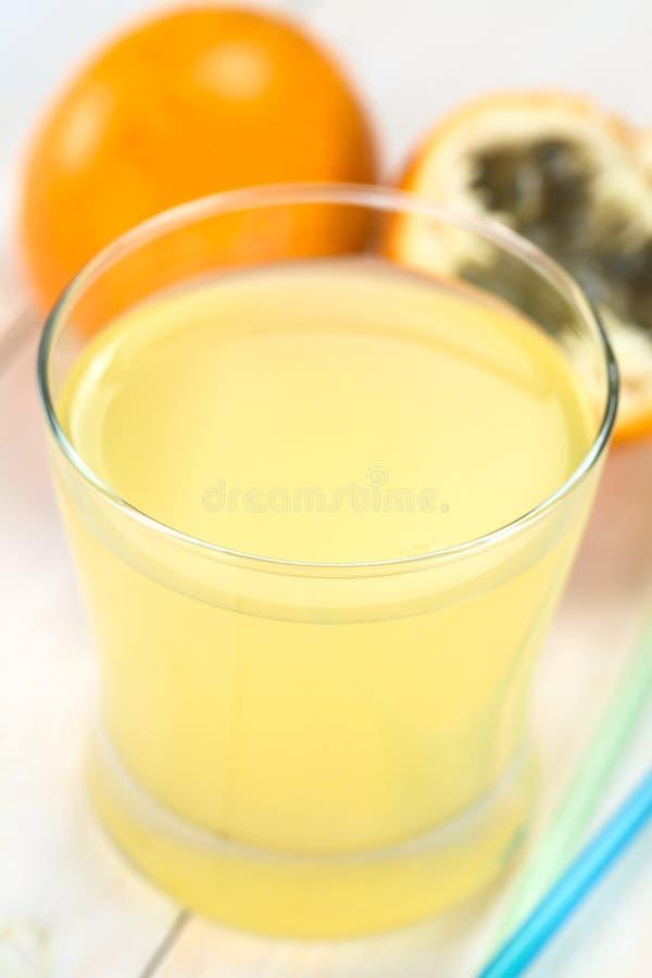 Сок сладостного Granadilla стоковые изображения