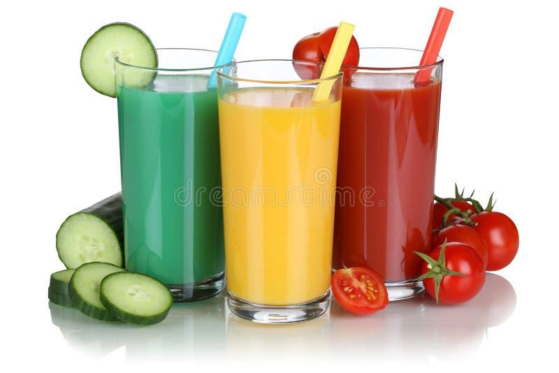 Сок Smoothie vegetable при изолированные овощи стоковые изображения rf