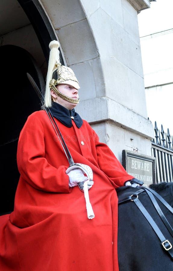Солдат Лондон Голгофы конногвардейского полка стоковые изображения