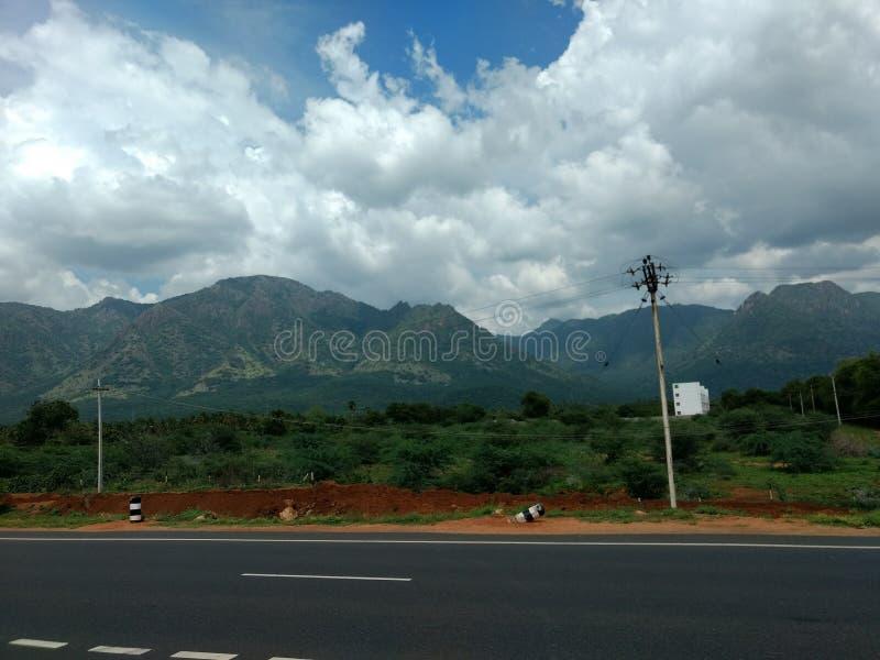 Солнечные дороги горы стоковое изображение rf
