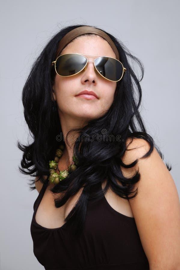 солнечные очки девушки способа стоковые изображения