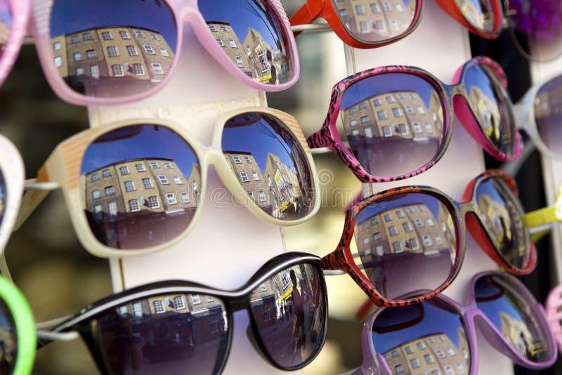 солнечные очки отражения собрания стоковые изображения rf
