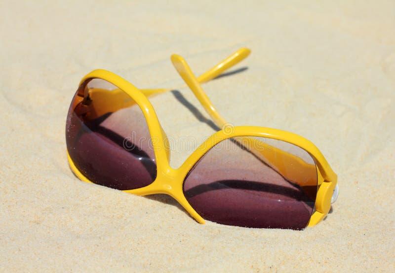 солнечные очки пляжа стоковая фотография