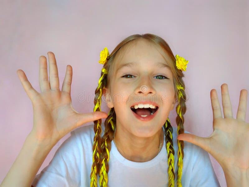 Солнечный ребенок стиля причесок стоковая фотография rf