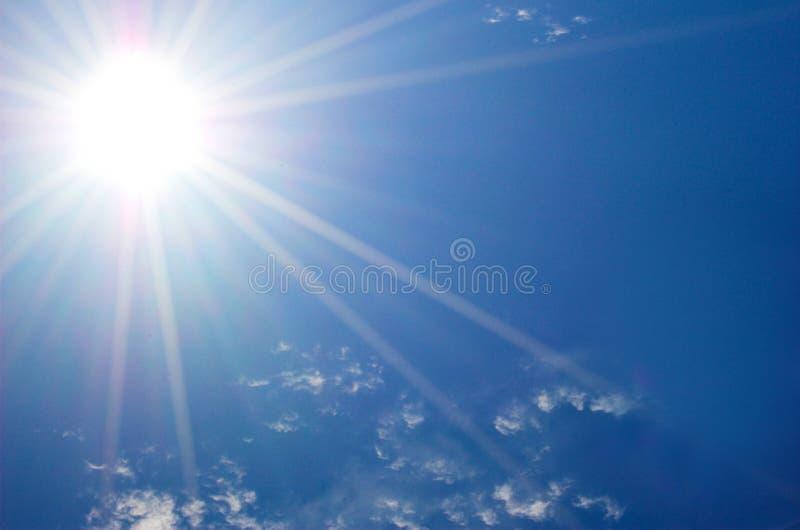 солнце голубого неба стоковые изображения