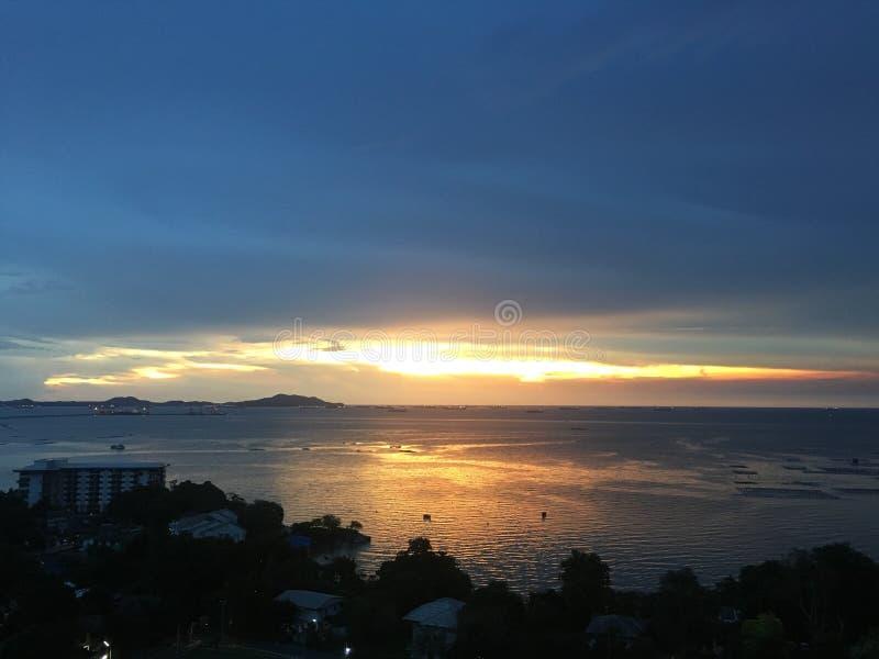 солнце отражения ледовитого океана стоковое изображение