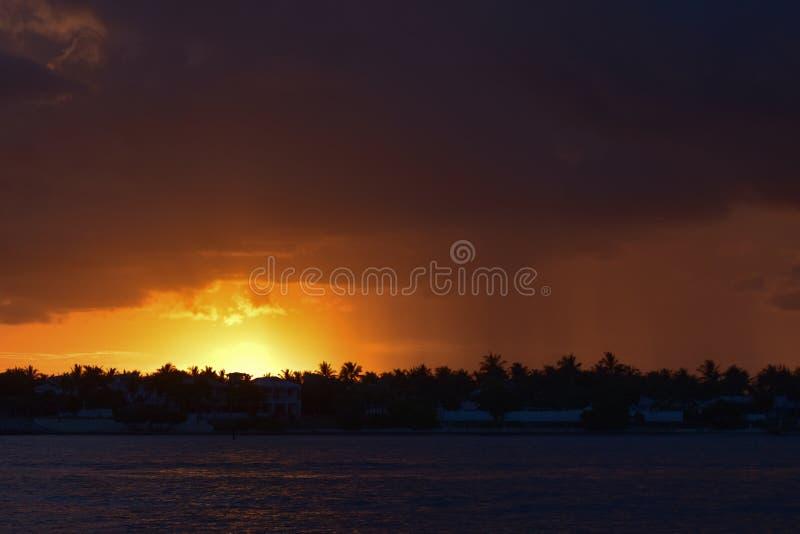 Солнце ` s бога идет вниз в Key West! стоковые фото
