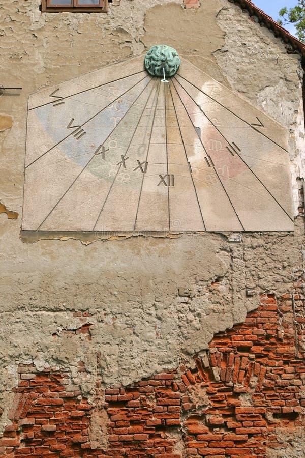 солнце zagreb часов стоковое изображение rf
