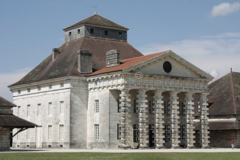 Соляное Royale в дуге et Senans Историческое здание сделанное архитектором Клод-Nicolas Ledoux, в дуге et Senas Франции стоковая фотография