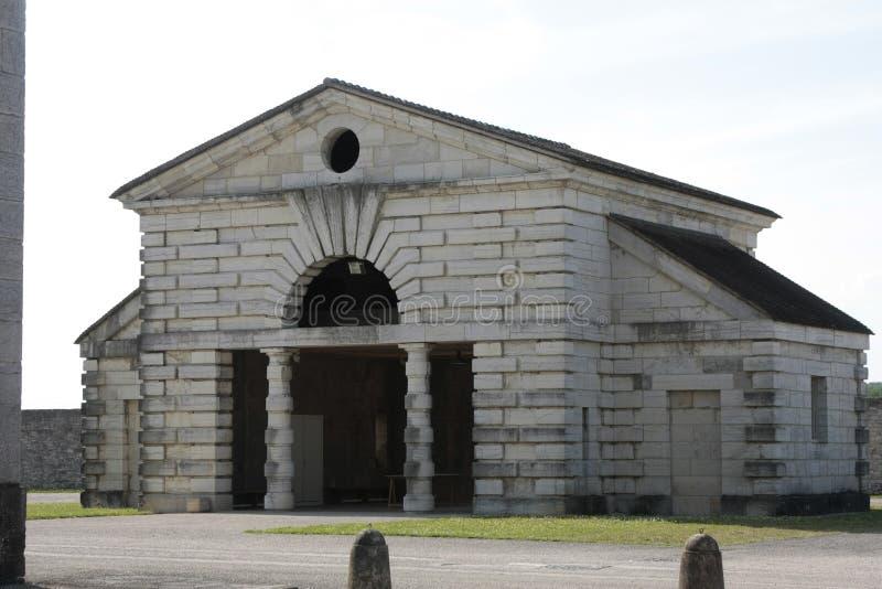 Соляное Royale в дуге et Senans Историческое здание сделанное архитектором Клод-Nicolas Ledoux, в дуге et Senas Франции стоковая фотография rf