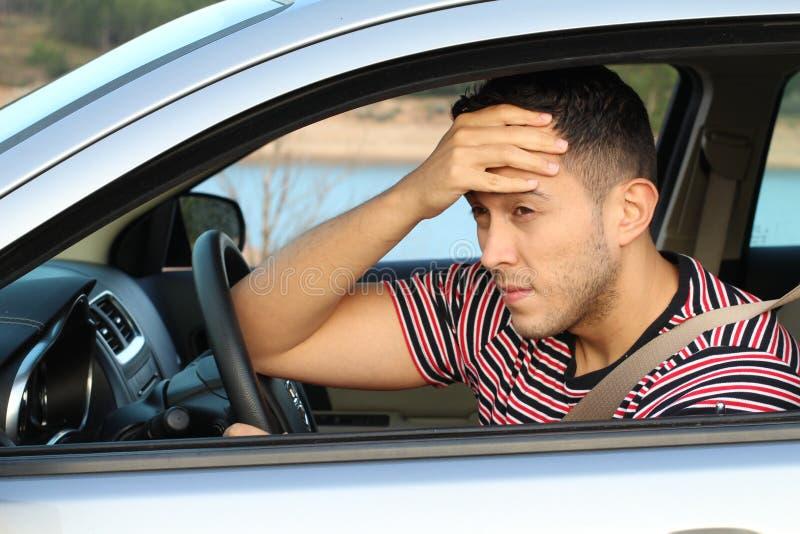 Сонный водитель автомобиля делая стоп стоковое изображение rf