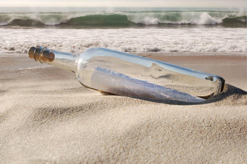 сообщение бутылки стоковые изображения