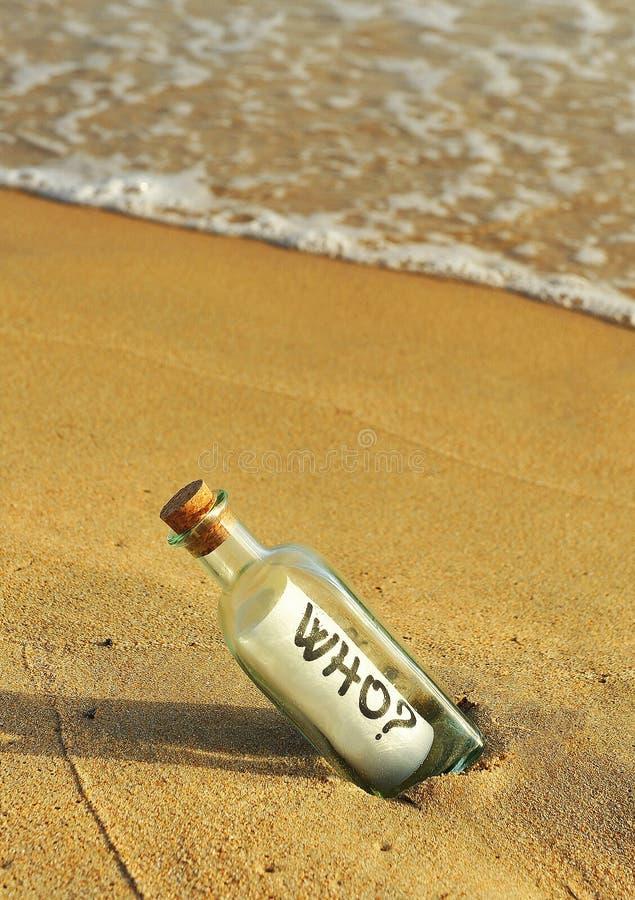 Сообщение в бутылке, вопрос который стоковое изображение rf