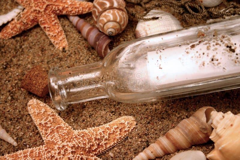 сообщение 6 бутылок стоковые изображения rf