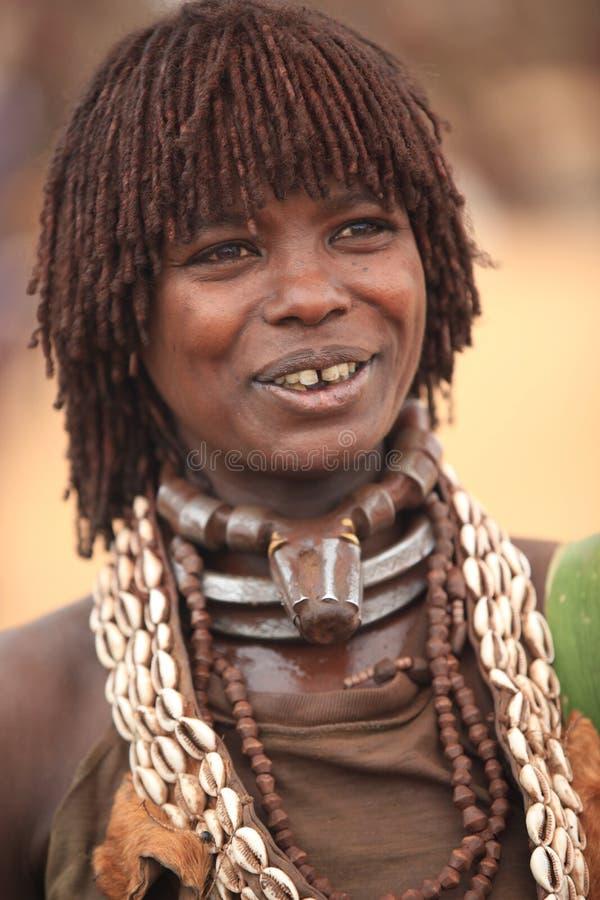 Соплеменная женщина в долине Omo в эфиопии, Африке стоковое фото rf