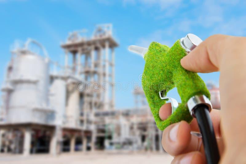 сопло удерживания руки топлива eco стоковые фотографии rf