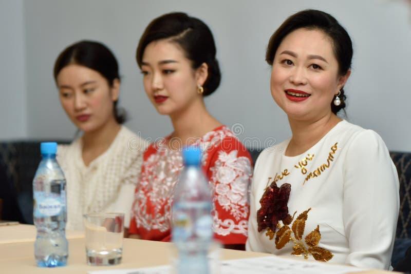 Сопрано звезды Китая в Санкт-Петербурге, России стоковое фото rf